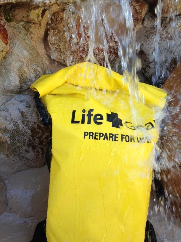 Life+Gear 72H Grab & Go Survival Kit